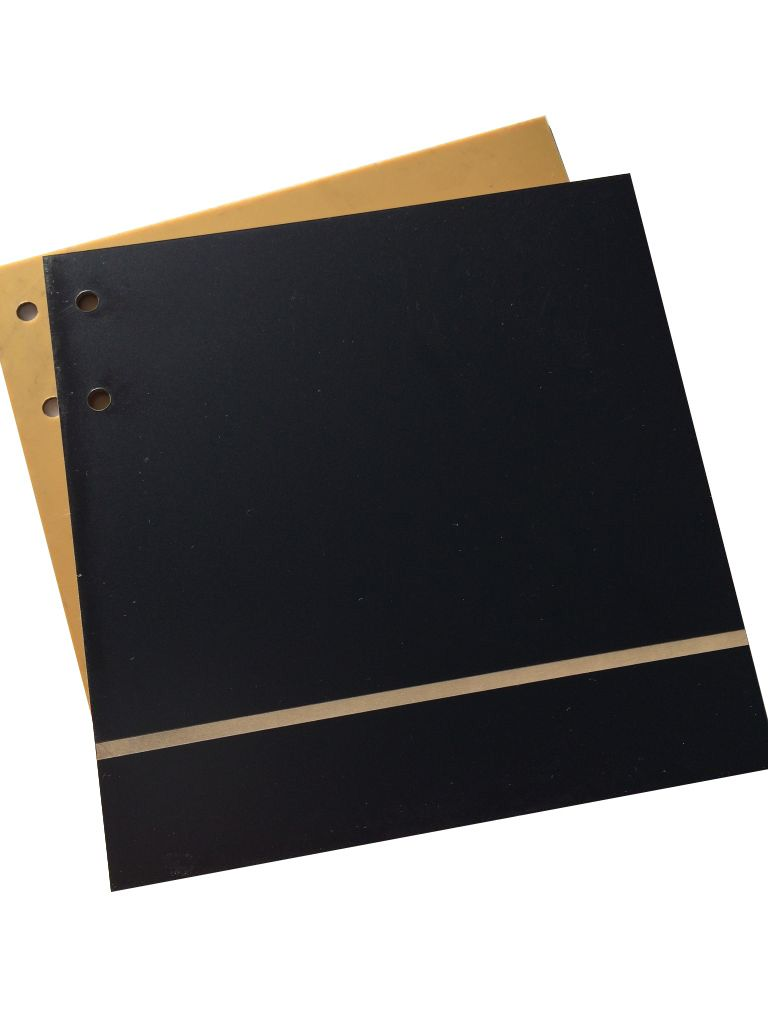 ALBUM 15*15CM 1.6MM BANDE NOIR INTERIEUR OR