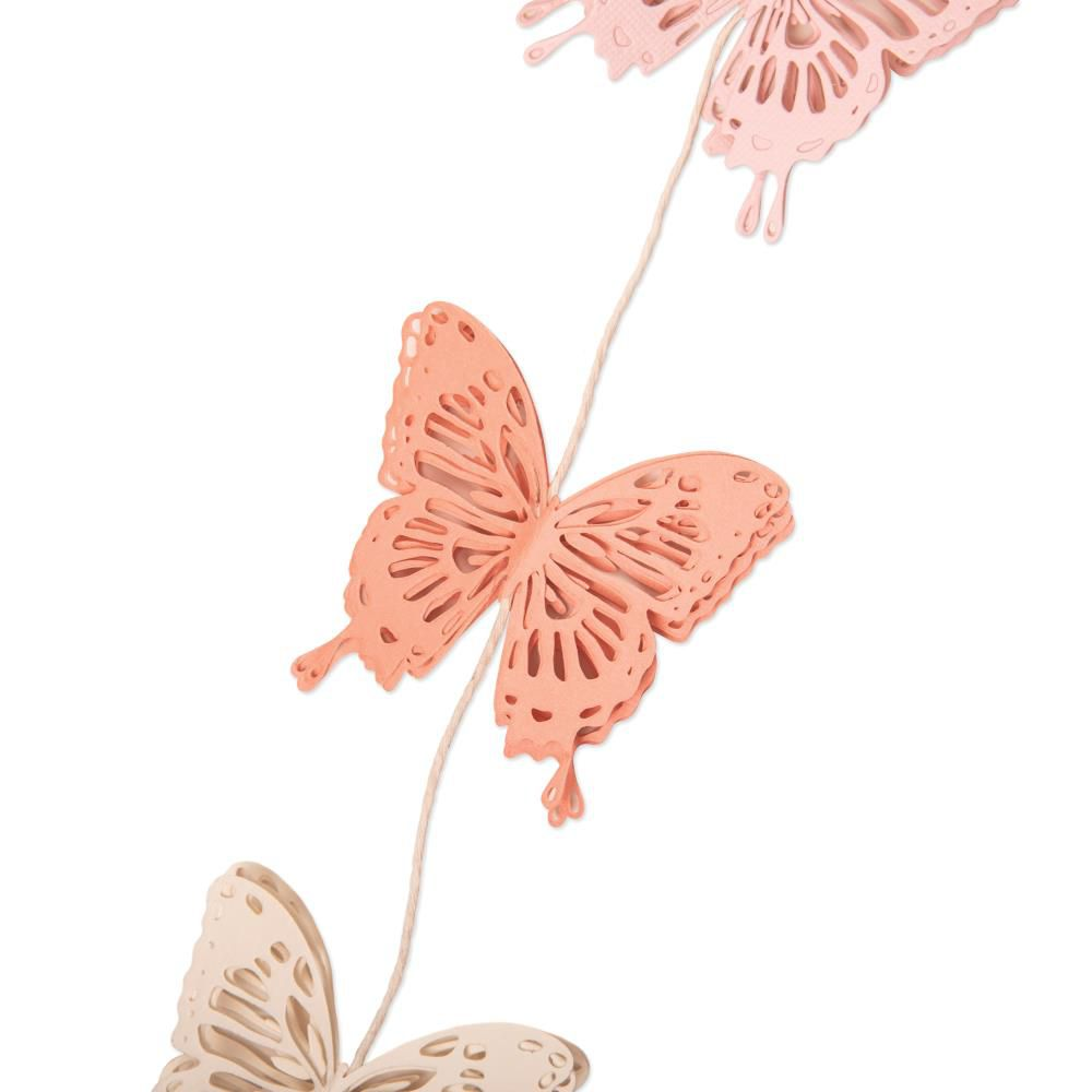 DIES PAPILLONS - Intricate Wings